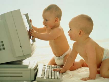 Forumistët bebe... 31189_bebe%2520i%2520kompjuter